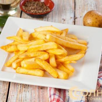 Картофель фри с сырным соусом