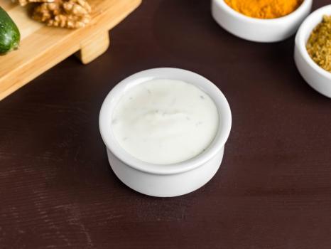 Сметанный соус с чесноком