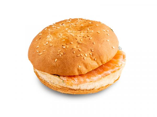 Утренняя булочка с лососем и творожным сыром