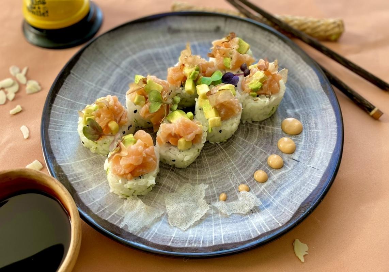Севиче с копчёным лососем и авокадо