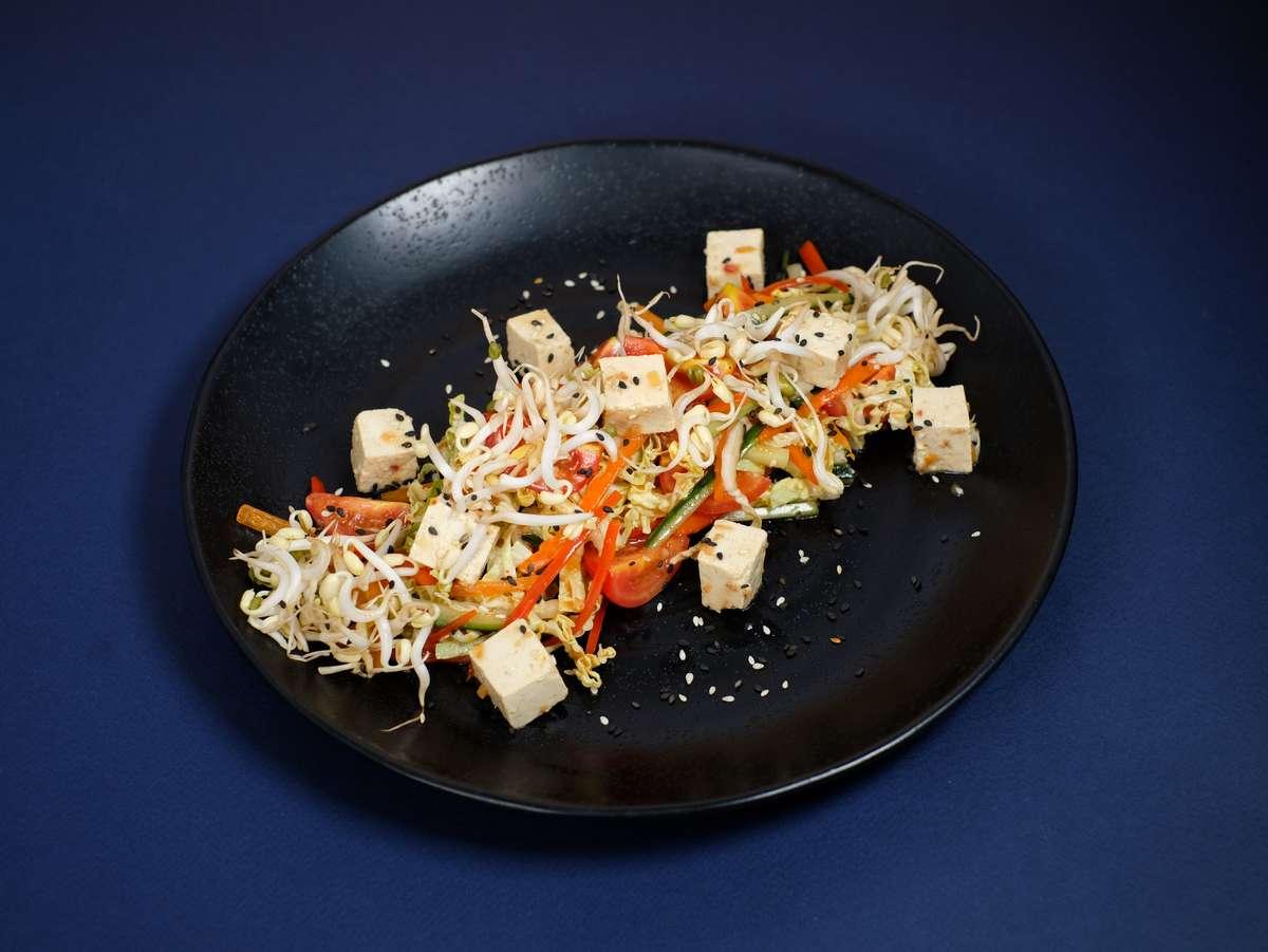 Микс-салат с тофу