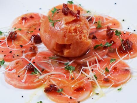 карпаччо из лосося с томатным сорбетом