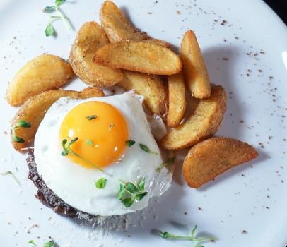 бифштекс из мраморной телятины на завтрак
