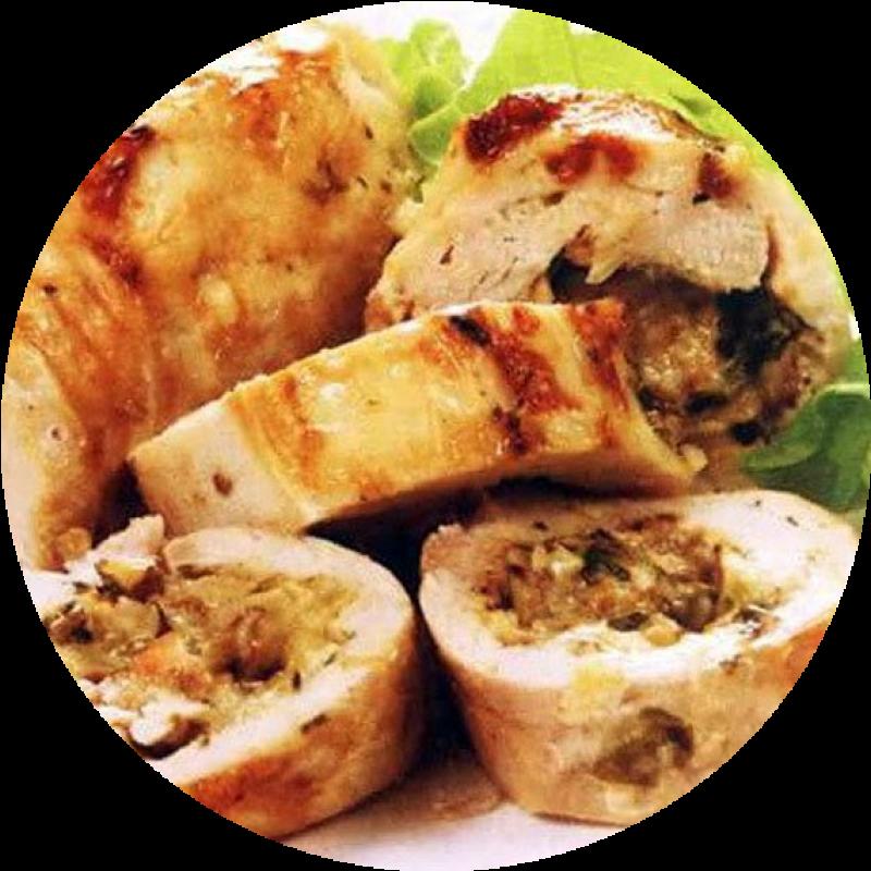 Ролл из куриной грудки с ананасом и сыром