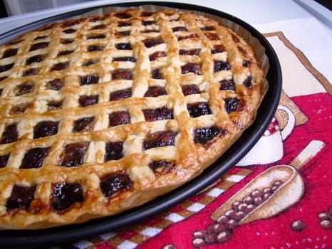 Сладкий пирог с брусникой