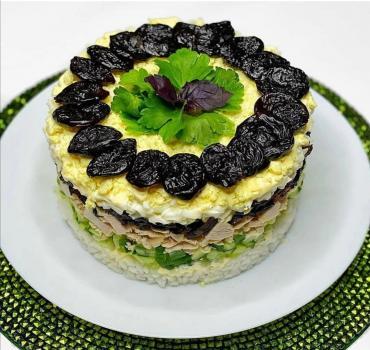 "Салат - торт ""Фантазия"""