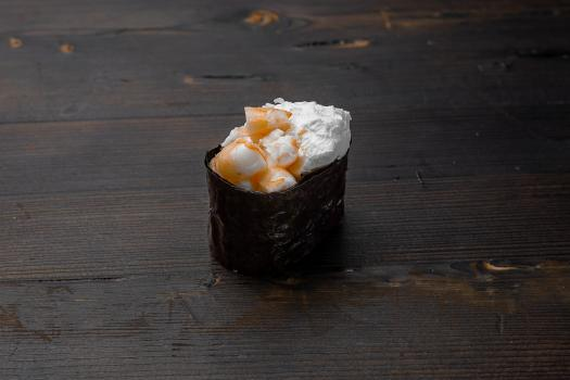 гункан сливочный с креветкой
