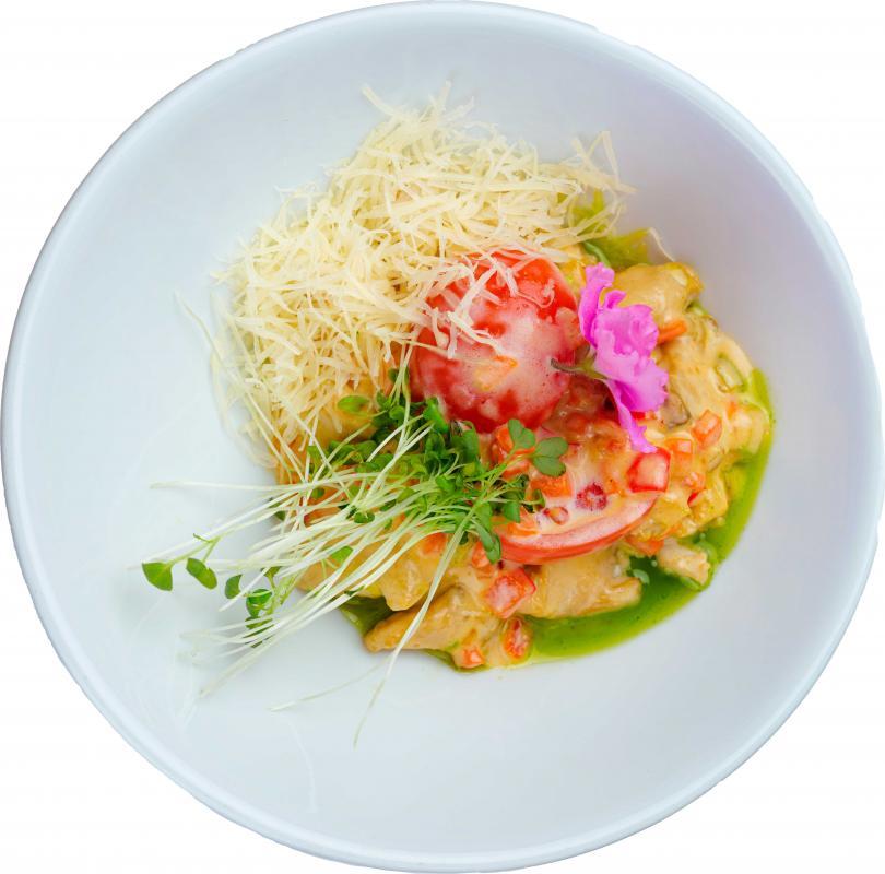 Рапан с овощным жульеном и пармезаном