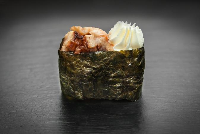 суши сливочный угорь
