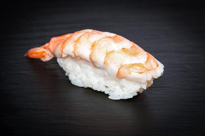суши креветка