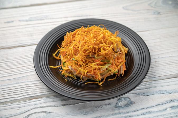 Салат с говядиной и корейской морковью