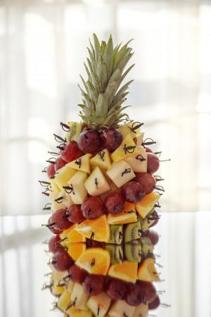 Ананс с фруктами