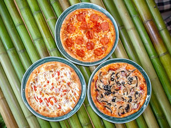 акция: три пиццы  за 1000р
