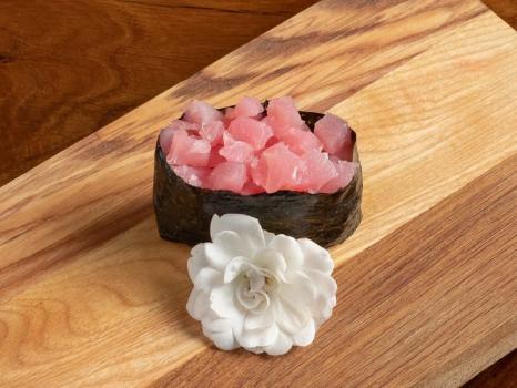 Спайси суши с тунцом (острые)
