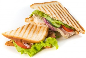 Сэндвич Клаб с курой (2 сэндвича в порции)