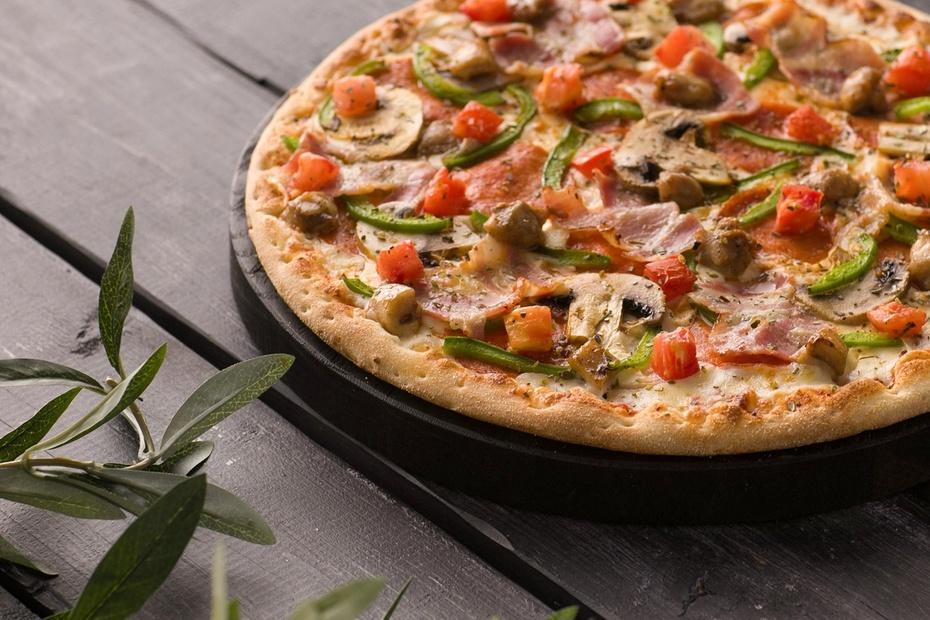 Пицца «Фирменная» на тонком тесте 30 см