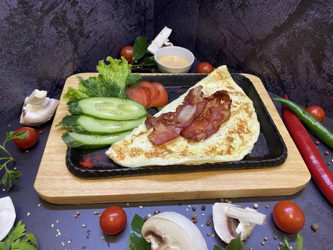 Завтрак №313 Омлет классический из трех яиц с беконом
