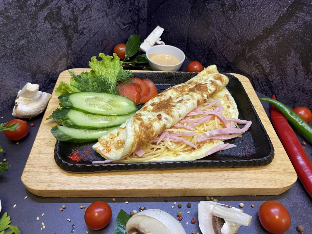 Завтрак №316 Омлет классический из трех яиц с ветчиной и сыром