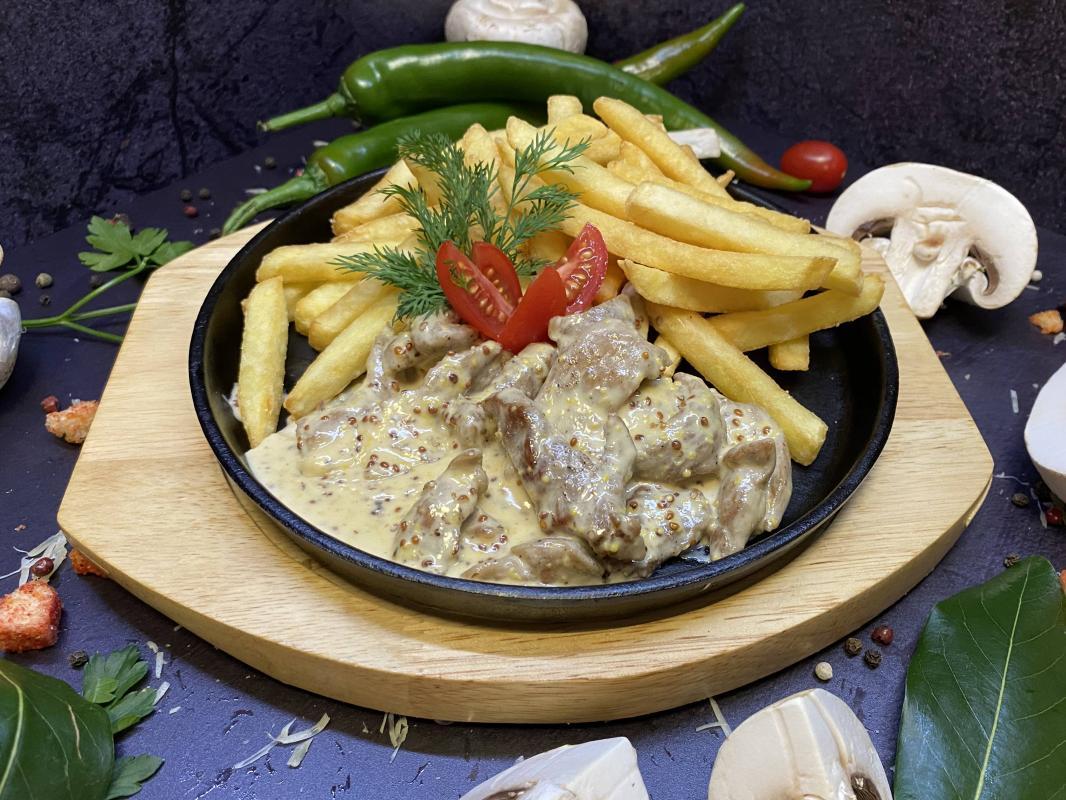 Блюдо №300 Свинина алюмет в соусе по-дижонски с гарниром