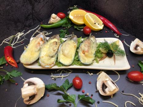 Закуска №283 Мидии запеченные с сыром пармезан