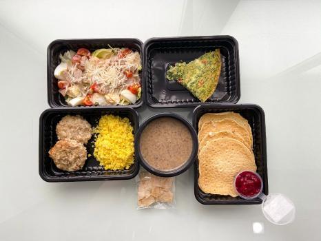 Программа Fit, (3 приема пищи=4 блюда и десерт. Ориентировочно 700 Ккал)+1 бутылочка вода 0,5л в подарок!