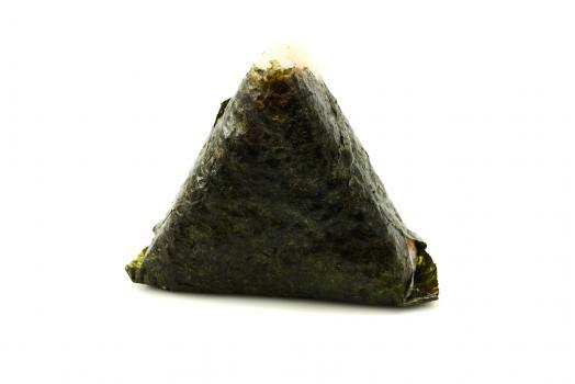 Онигири (лосось спайси)